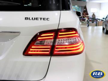 Mercedes-Benz ML 3.0 V6  4x4 Diesel - 14/14