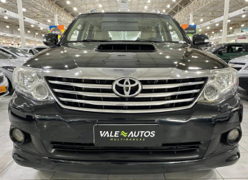 Toyota Hilux SW4 3.0 SRV 4X4 7 LUGARES  - 13/14